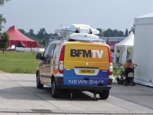 Camionnette de télévision