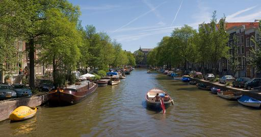 Canal d'Amsterdam en été
