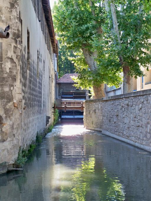 Canal de la rue des Teinturiers à Avignon