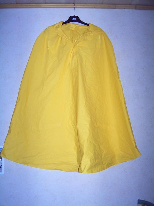 Cape imperméable jaune