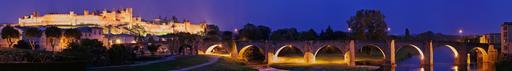 Carcasssonne et le vieux pont sur l'Aude