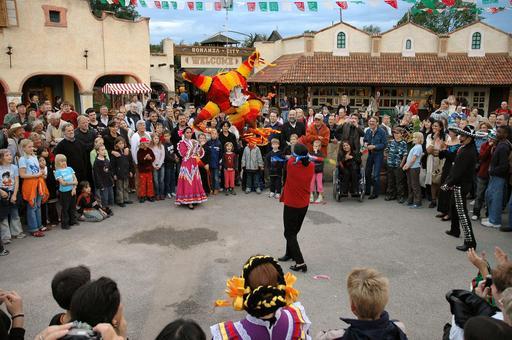 Célébration du jour mexicain des piñatas en Allemagne