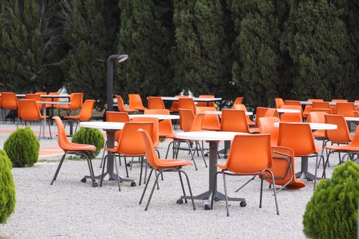 Chaises en terrasse