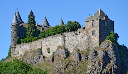 Château du Sailhant dans le Cantal
