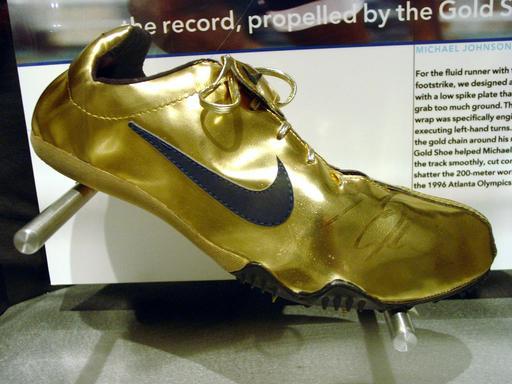 Chaussure dorée de Michael Johnson à Honolulu