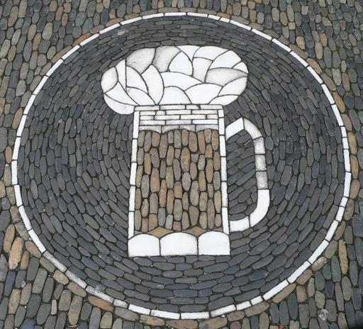 Chope de bière en mosaïque