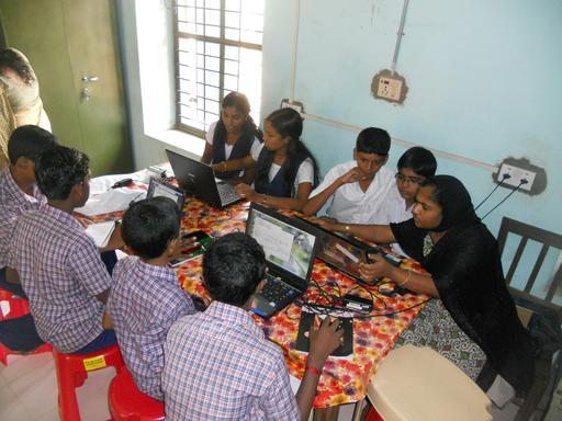 Classe informatique mixte en Inde