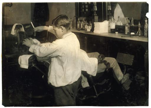 Coiffeur de douze ans en 1917