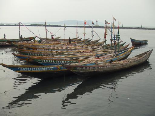 Bateaux de pêche à Conakry