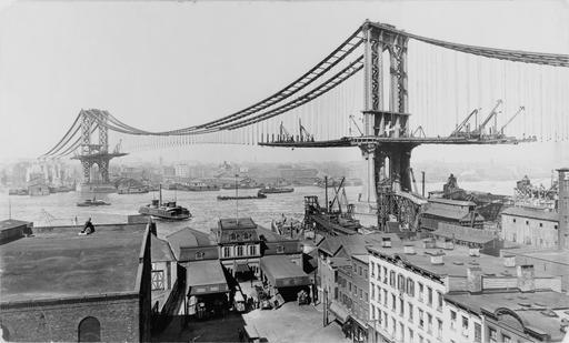 Construction du pont de Manhattan à NY en 1909