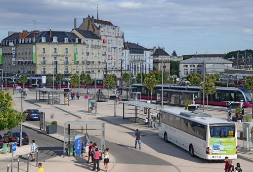 Cour de la gare de Dijon