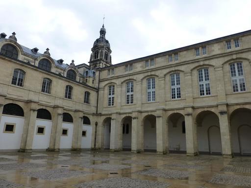 Cour Mably à Bordeaux