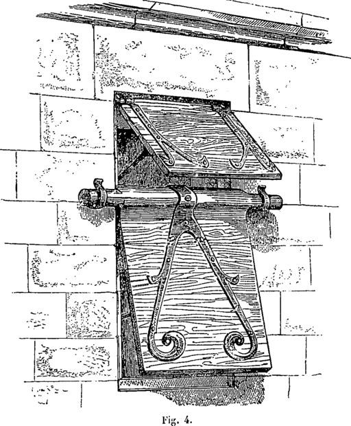 Créneau médiéval protégé par un volet
