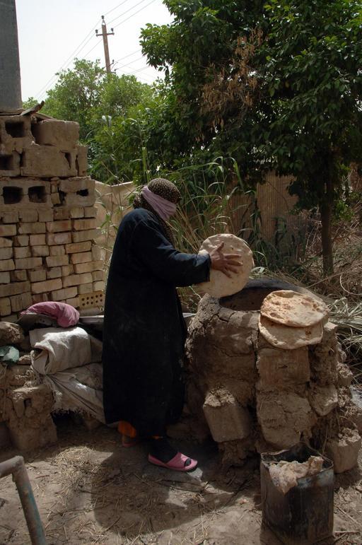 Cuisson de pain plat en Irak