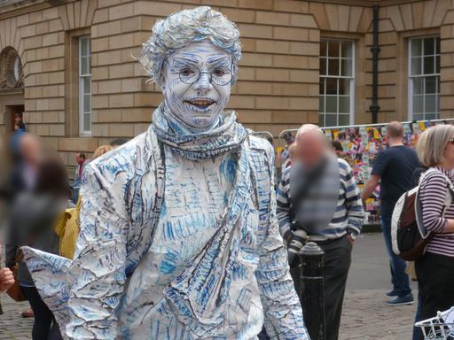 Dans les rues d'Édimbourg pendant le festival