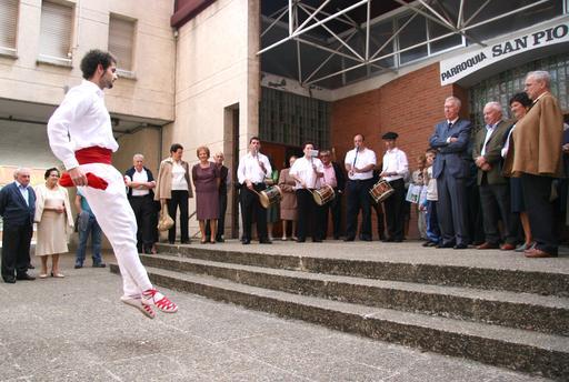 Danseur basque d'Aurresku