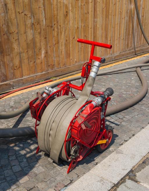 Dévidoir de tuyaux de pompiers