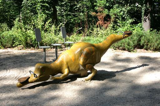 Dinosaure à bascule
