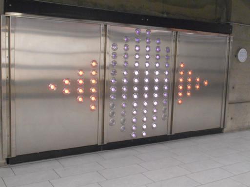 Diodes dans le métro de Montréal