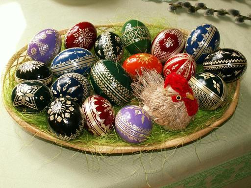 Dix-huit oeufs de Pâques
