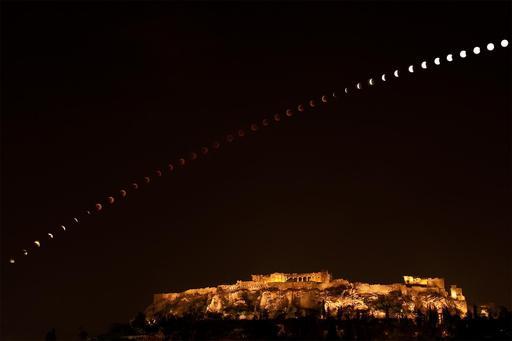 Éclipse de lune du 15 juin 2011 sur l'Acropole