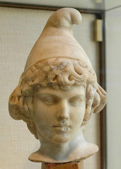 Enfant coiffé du bonnet phrygien