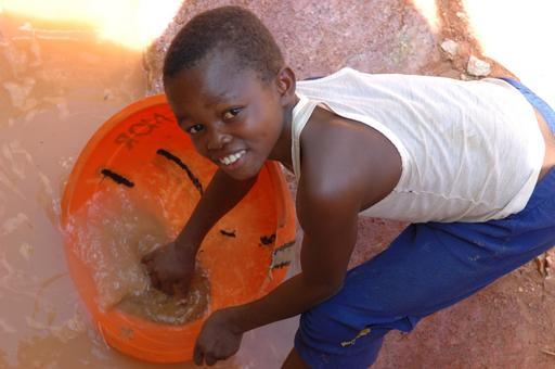 Enfant dans une mine au Congo