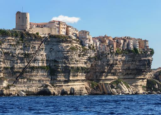 Escalier du roi d'Aragon dans les falaises de Bonifacio