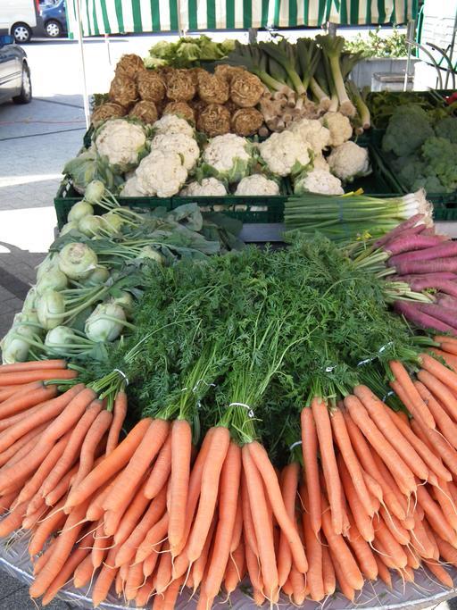 Étalage de légumes au marché