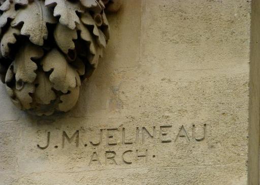 Façade art nouveau à Bordeaux