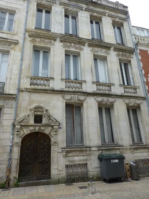 Façade d'hôtel particulier de La Rochelle