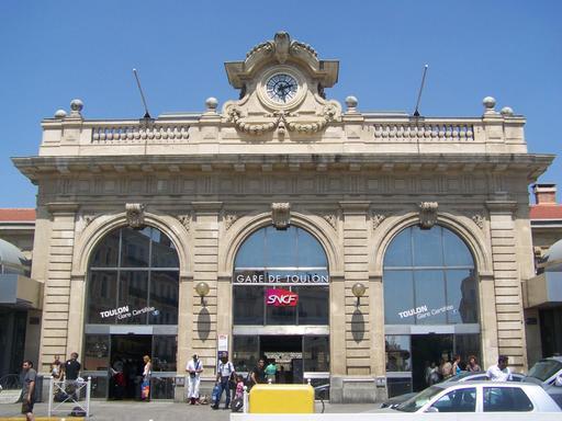 Façade de la gare de Toulon