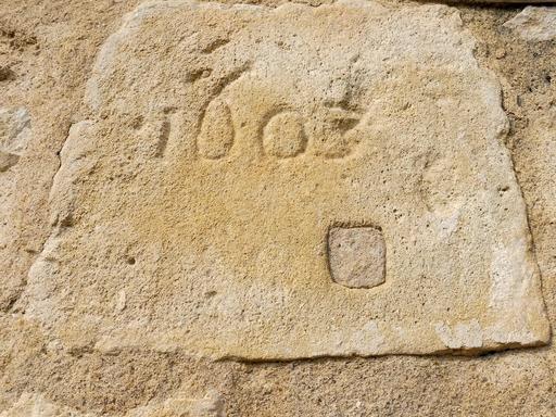 Façade sud de l'église de Pujols-sur-Ciron