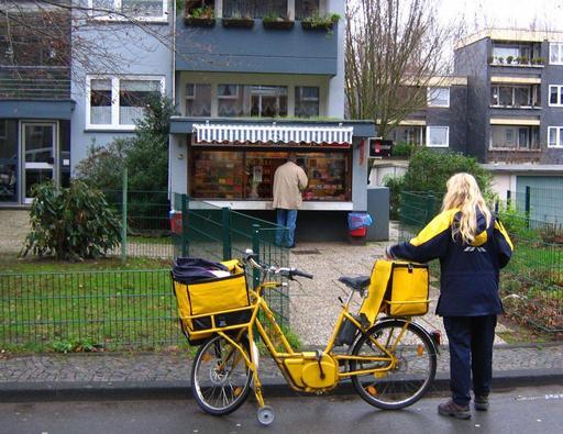 Factrice à vélo