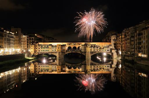 Feu d'artifice sur le Ponte Vecchio