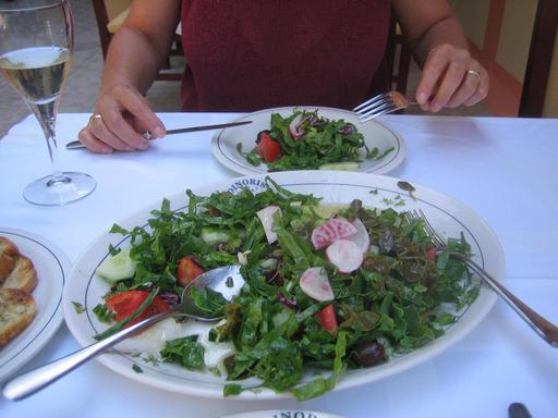 Feuilles de câprier en salade