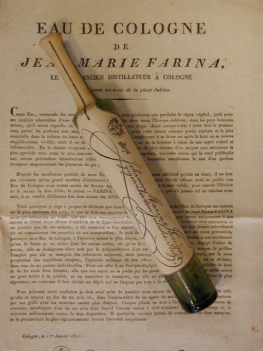 Flacon d'eau de cologne de 1811