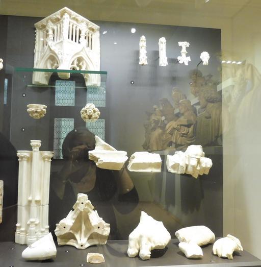 Fragments médiévaux au musée des beaux-arts de Dijon