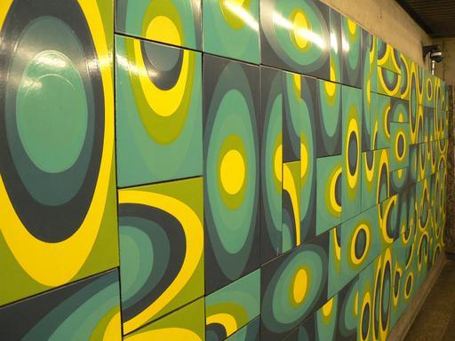 Fresque dans le métro de Montréal