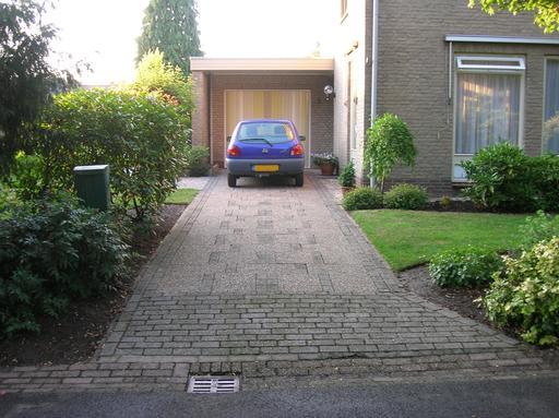 Garage particulier en banlieue