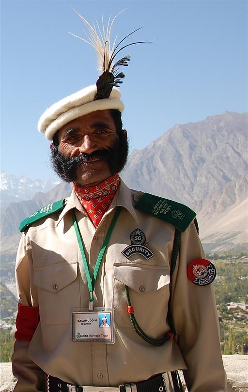 Garde pakistanais à moustache