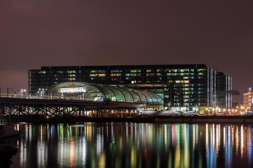 Gare de Berlin de nuit