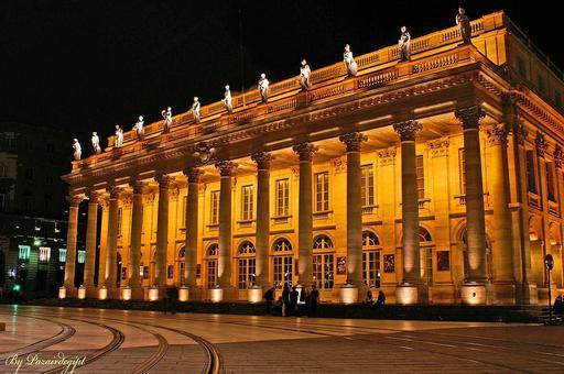 Grand Théatre de Bordeaux de nuit