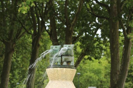 Grenouilles de la Fontaine de Max Ernst à Amboise