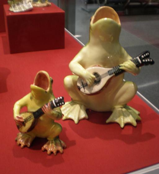 Grenouilles jouant de la mandoline