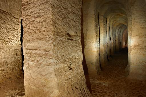 Grottes de sable de Piusa en Estonie
