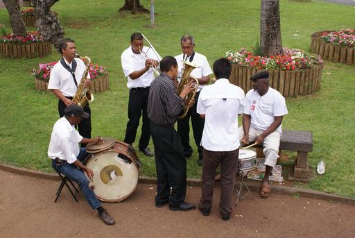 Groupe de joueurs de séga réunionnais