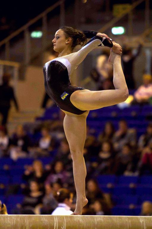 Gymnaste italienne à la barre fixe