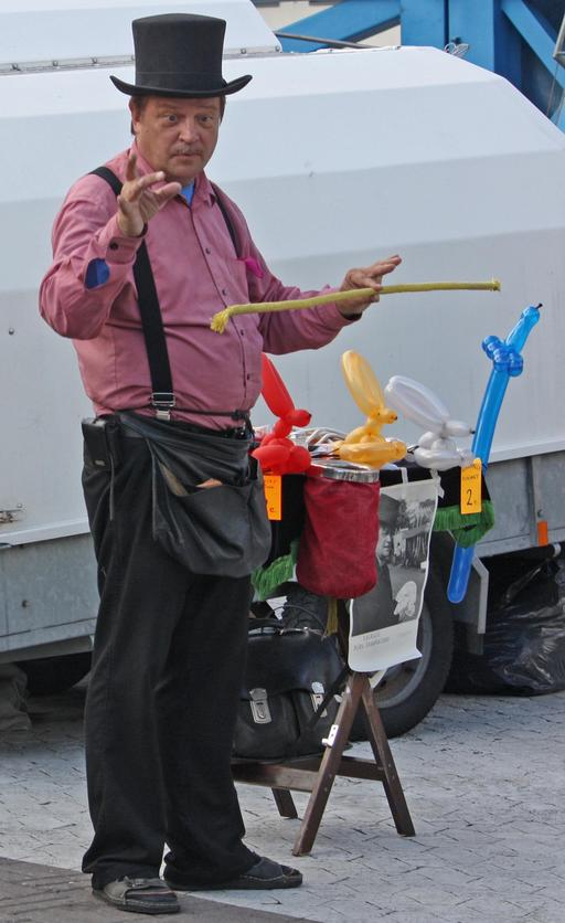 Illusionniste de rue finlandais