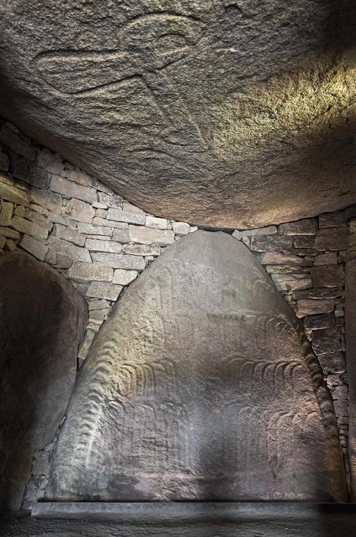 Intérieur du cairn de Locmariaquer